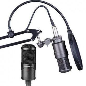Micro thu âm chuyên nghiệp Takstar SM-8B